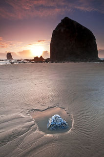 Cannon Beach, Haystack Rock, Oregon, Pacific Northwest, Pacific Ocean, beach, sand, sunset, surf