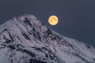 Full moon, Kenai Mountains, Turnagain Arm, moonset, morning, sunrise, winter